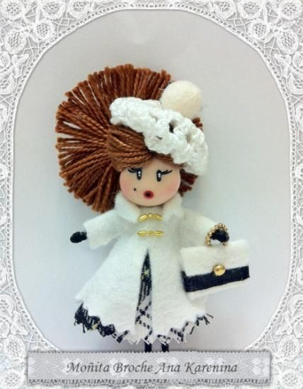 Broche muñeca con boina Ana Karenina