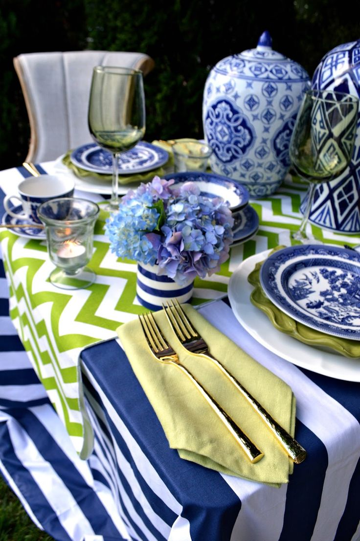 Rosemary & Thyme: Summertime Tablescape Blog Hop