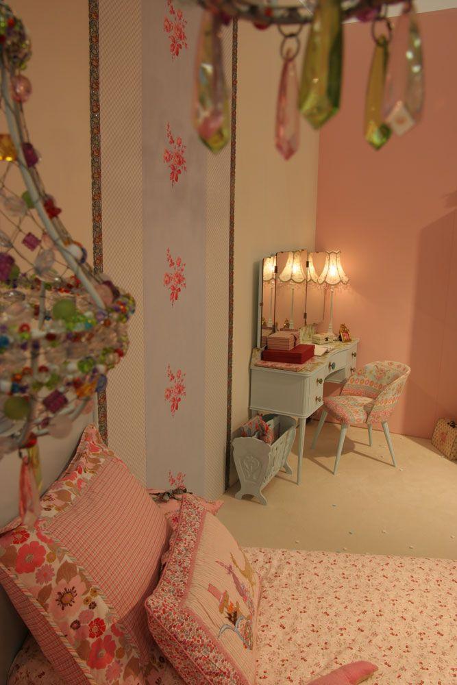 1000 idee n over roze spiegel op pinterest meisje beddengoed jachtluipaard slaapkamer en - Roze kleine kamer ...