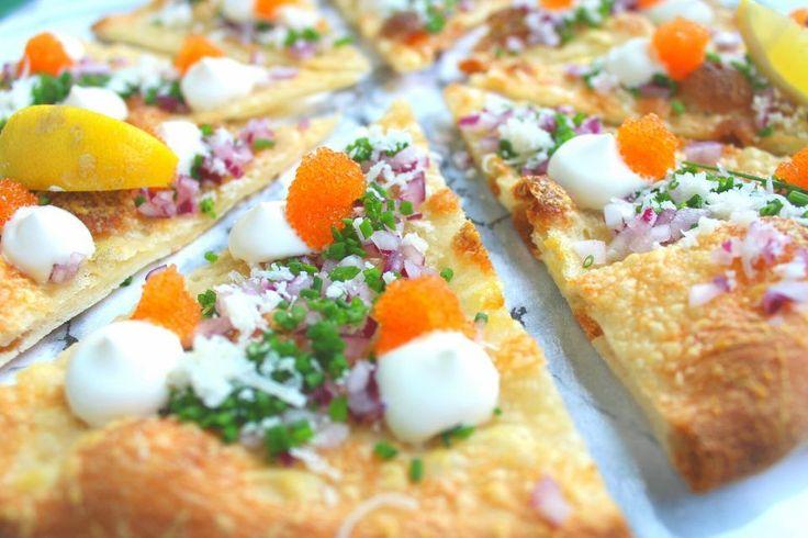 Löjromspizza med crème fraiche | Daniel Lakatosz