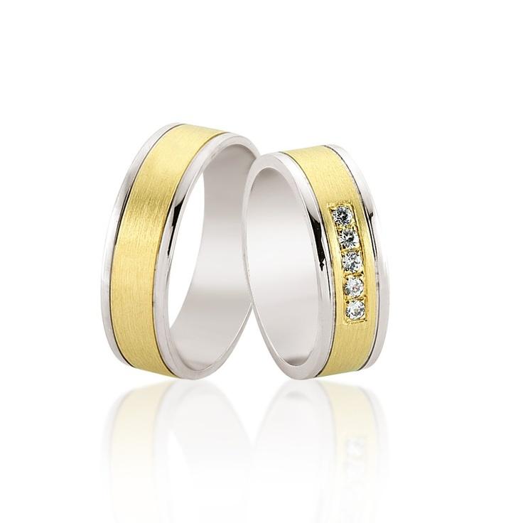 Modelul de verighete Botein este special prin armonia sa. Latime potrivita, combinatie de aur alb si galben plus 5 cristale sau diamante montate pe mijlocul verighetei. 1950 lei din aur de 14k si cristale.   http://goo.gl/nDhf1