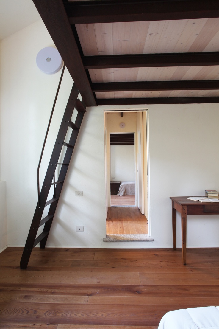Stairs to the mezzanine. Corridor. Wood, rusted iron, stone. Country houseM_03_____________ by cristina meschi architetto