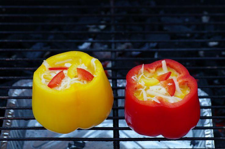 Fylt paprika på grillen aka paprikaomelett