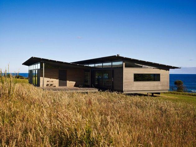 Apollo Bay house by Rob Kennon Architects.  Photography, Derek Swalwell