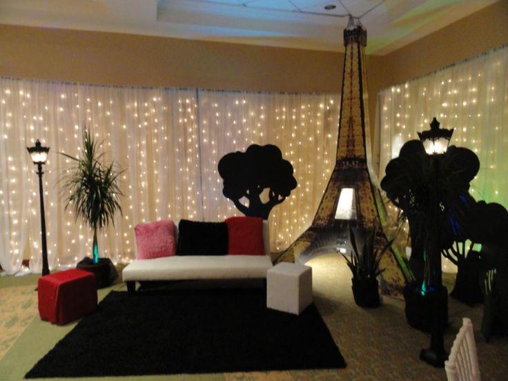 Eiffel Tower Room Decor