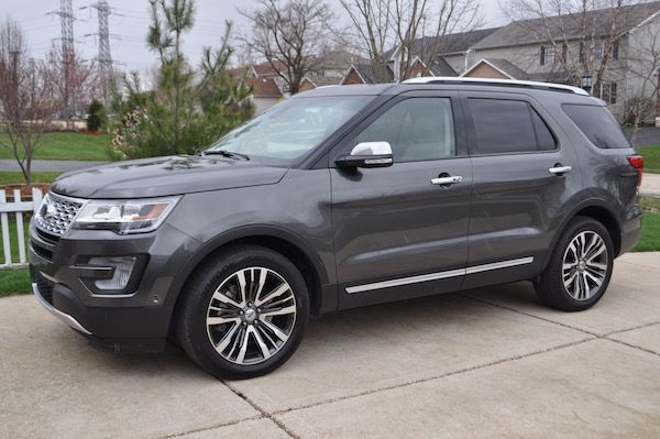 2016 Ford Platinum Explorer 4WD {Car Review} @ford #explorer #ExploreMore