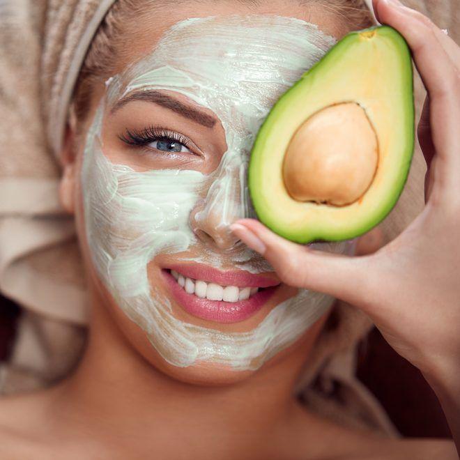 Μάσκα προσώπου με αβοκάντο: H top σπιτική συνταγή για ξηρό δέρμα - Shape.gr