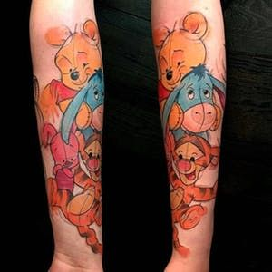 Mit diesen Winnie the Pooh-Tattoos können Sie das 100-Morgen-Waldgebiet noch einmal besuchen