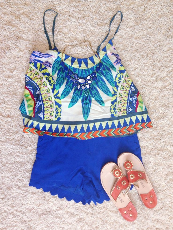 therealistadjuststhesails:  pinkandgreenlivingthedream:  Spring break outfit #8 Shirt- red dress boutique Shorts- red dress boutique Necklace- Francesca's Sandals- jack rogers  Those shorts