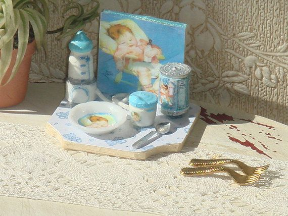 Dollhouse baby tray with accesories 1:12 Dollhouse Miniature children complements