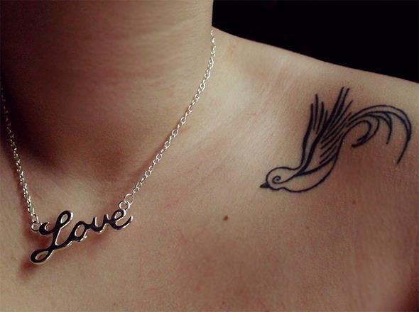 55 Tatuagens delicadas para mulheres