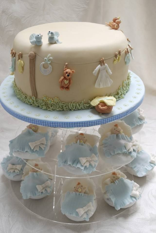 bolo e cupcakes para cha de bebe