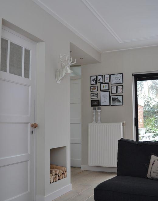 Hout uitsparing, plafondlijst