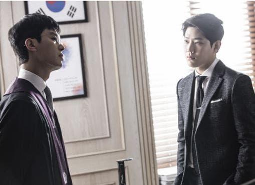 "Yeon Woo Jin And Dong Ha Go Head To Head As Judge And Prosecutor In ""Judge Vs. Judge"" Stills | Soompi"