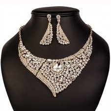 SET bijuterii mireasa Safiria colier si cercei placate cu Aur galben 10k si cristale