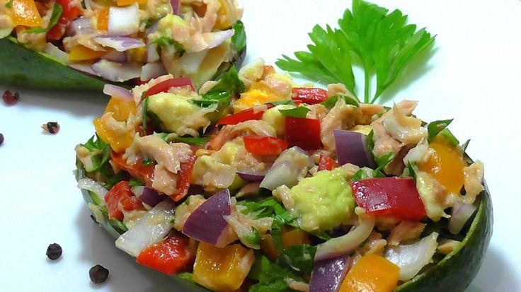 САЛАТ ИЗ АВОКАДО И ТУНЦА Avocado Tuna Salad .