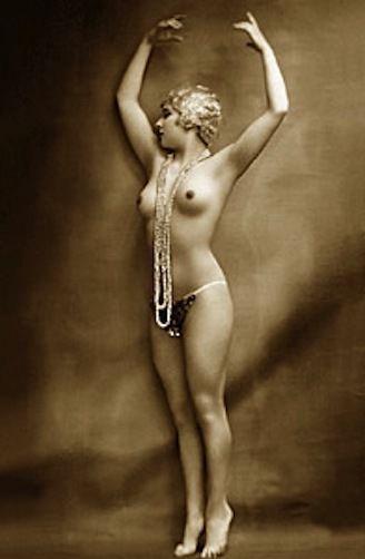 Vintage burlesque woman topic