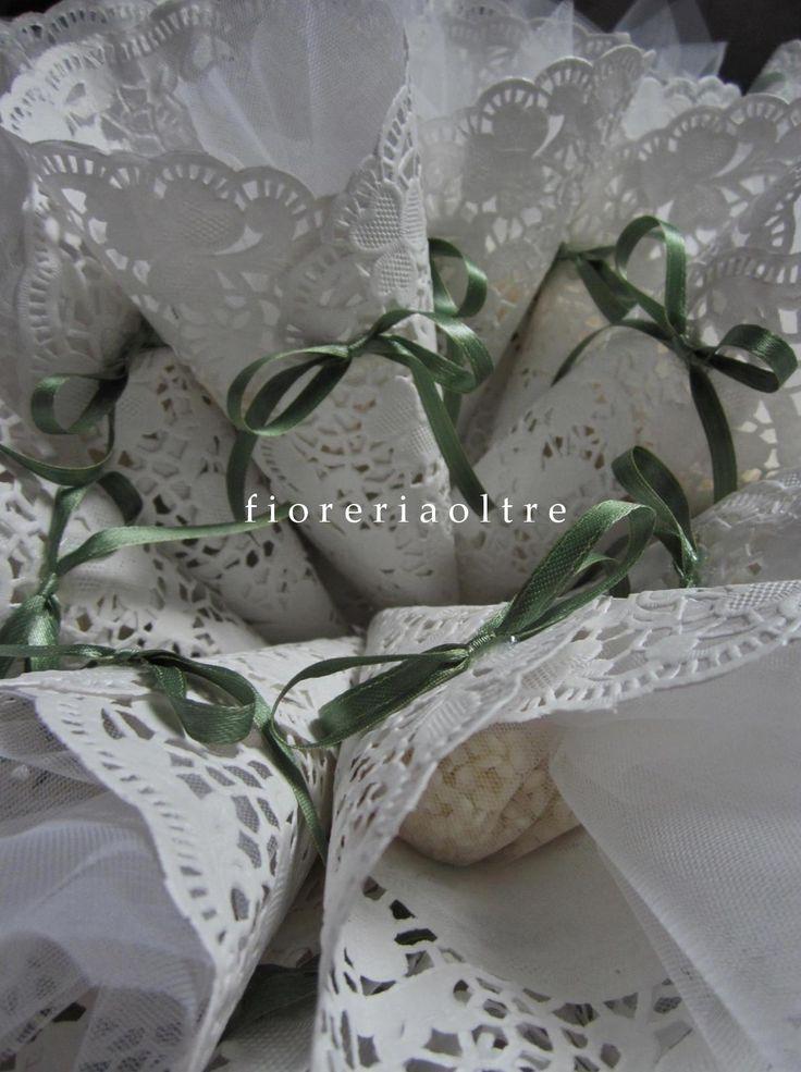 Fioreria Oltre/ Wedding doily cones