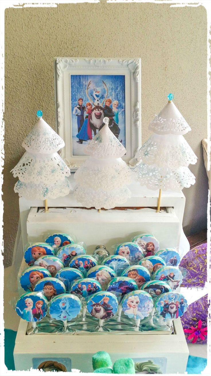 Frozen themed lollipops