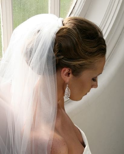 Hair updo with veil