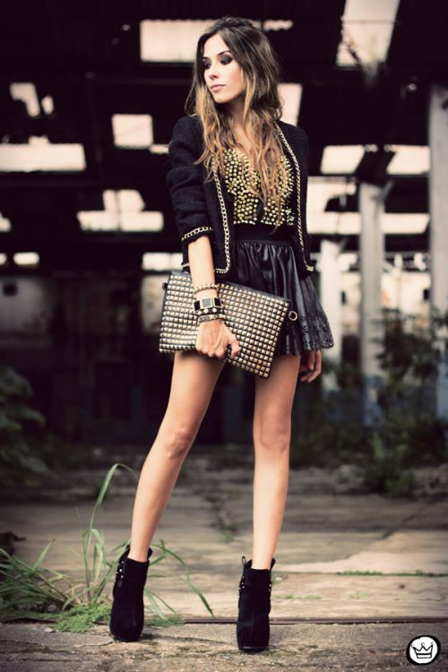 FashionCoolture - 02.03.2013 look du jour Romwe studded cropped top leather skirt  (1)