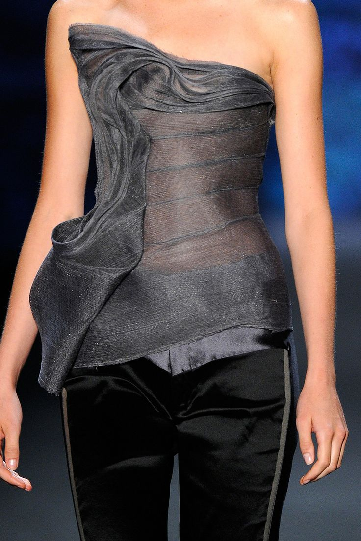 Beautiful Design - Vera Wang F/W 12'