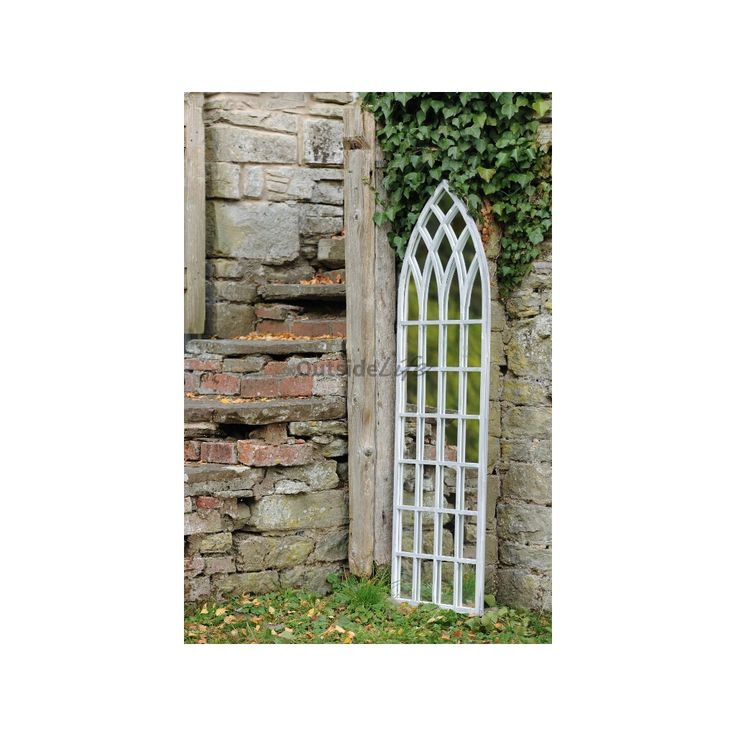 Extra grote buitenspiegel in ronde Gotische vorm. [...]