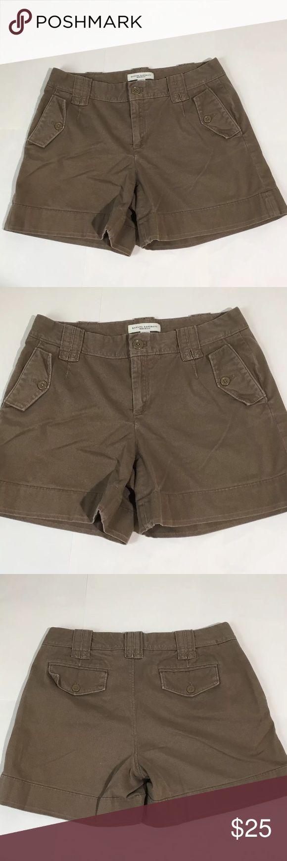 "Banana Republic Martin Fit Brown Shorts Sz 6 Women's Banana Republic Martin Fit brown shorts size 6. Measurements 14.5"" waist laying flat, 13"" waist to hem, 5"" inseam. Excellent condition no flaws Banana Republic Shorts"