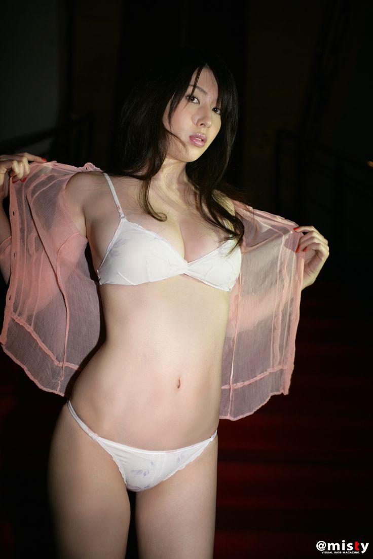 idol_emi041.jpg (1067×1600)
