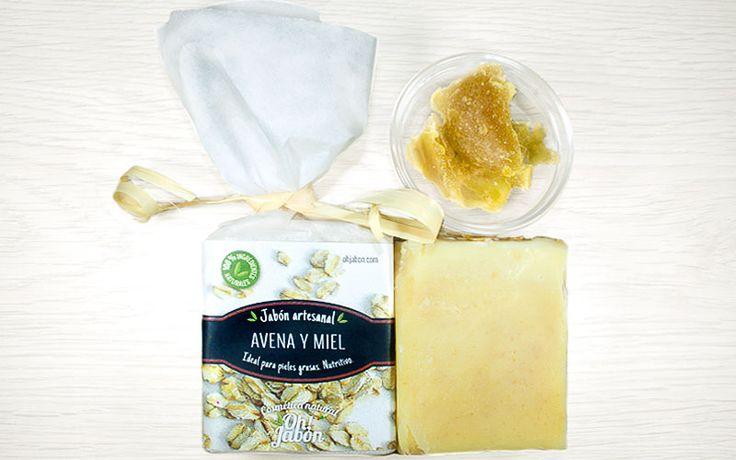 Jabón artesanal de avena y miel. Ideal para pieles grasas. Nutritivo.