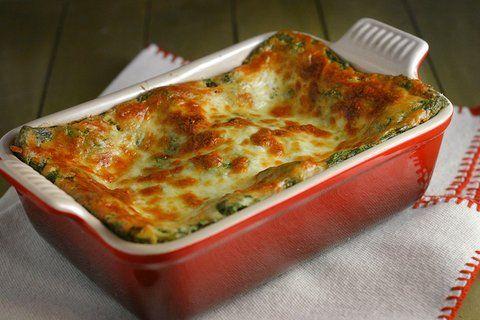 Recept Lasagne Met Courgettesaus. Met verse lasagne, geitenkaas, courgette en basilicum. Heerlijk vegetarische maaltijd.