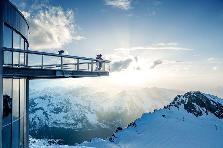Sommer am Gletscher Kitzsteinhorn in der Region Zell am See-Kaprun. Gletscherskigebiet, alpiner Familienspaß, Wanderparadies und Gipfelwelt 3.000