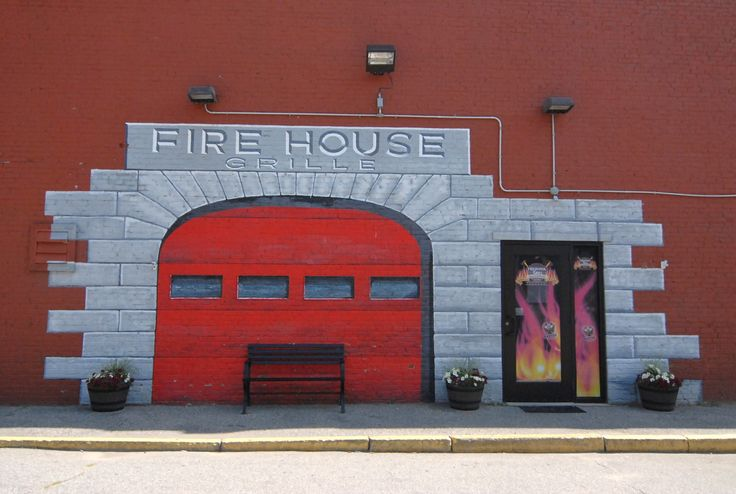 Firehouse Grill: Auburn, ME: Tap and Grill, Entertainment, & Catering