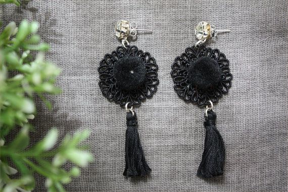 Super chic ponpons and tassel earrings Gala earrings | ThatsMineBijoux