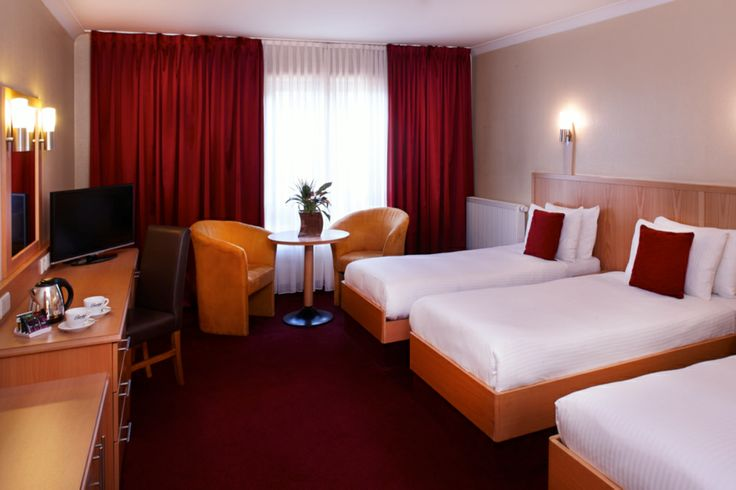 Clayton Hotel Manchester Airport- Triple Bedroom
