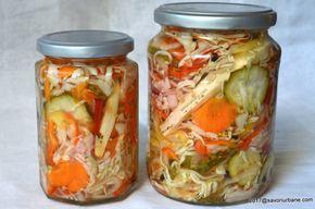 Salata de muraturi reteta de ciolomada ungureasca. Legume asortate la borcan, feliate foarte subtire si condimentate discret, in otet, puse pentru iarna.
