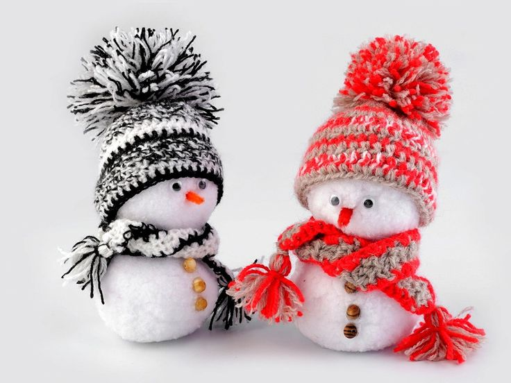 Sněhové koule vám poslouží k dekoračním i zábavným účelům. Až na rozdíl v teplotě jsou skoro k nerozeznání od pravých sněhových koulí. Pohodlně se drží v ruce a jsou lehké, takže se při dovádění s nimi můžete odvázat. Užijete si spoustu legrace.