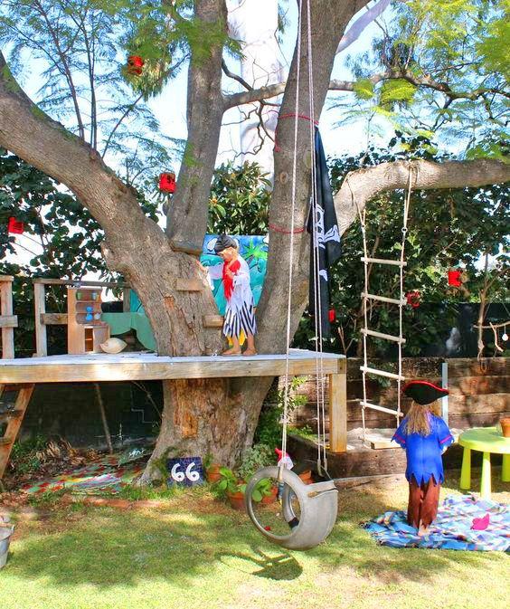 Ett lagom stort semesterprojekt kan vara att bygga en fantasifull, rolig och mysig koja.