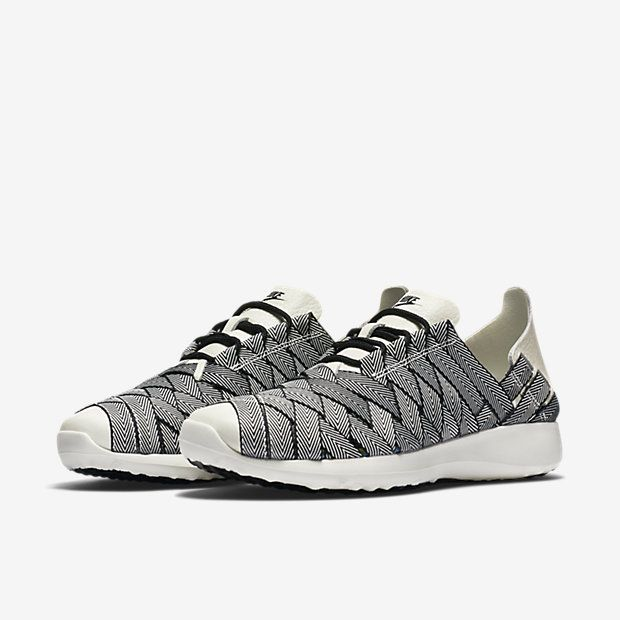 Nike Juvenate Woven Premium Women's Shoe
