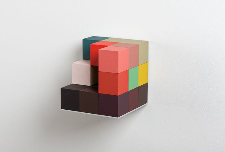 London-based artist Sophie Smallhorn exhibits internationally and is commissioned by both private and corporate clients. Her work explores the relationships between colour, volume and proportion.