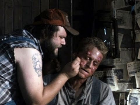 17 best images about tucker and dale vs evil on pinterest for Geburtstagsbilder 18