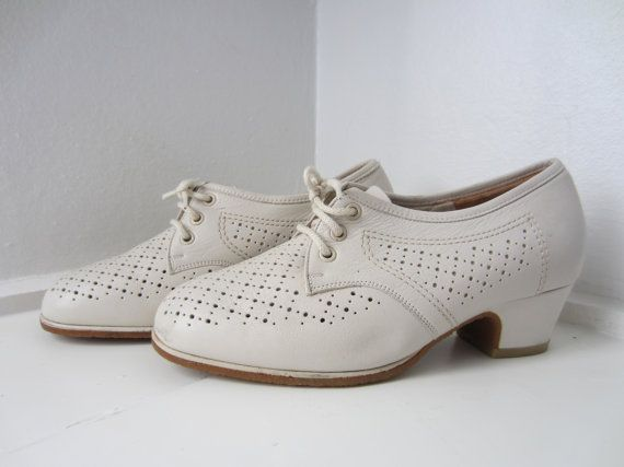 60s NOS White Lace up Leather Shoes / us 6.5 EUR 36-37 UK 4 // Vintage Deadstock West German Perforated Walking Shoes