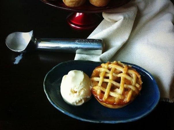 Яблочные мини-пироги
