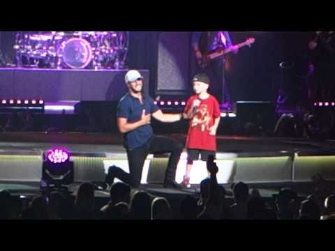 """Witness the heartwarming moment Luke Bryan says was """"one of the coolest things I have ever seen"""" 