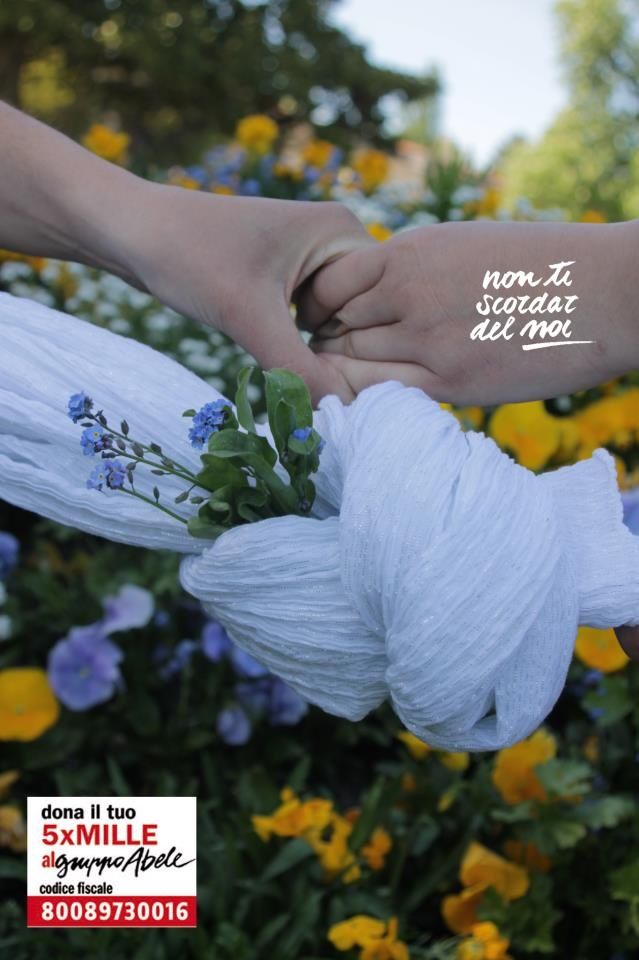 """Ci scrive Palma da Bordeaux: """"Le mani del fare, il nodo per non dimenticare, i fiori che son vita, nascita e rinascita...Perchè un piccolo dono possa trasformarsi nella rinascita di molti"""" Grazie Palma!"""