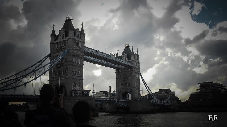 EVR Photography - Tower Bridge, Thames, London, England