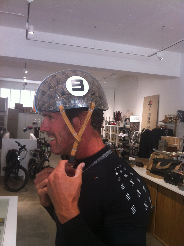 Tour De France cyclist Mario Cippolini and the Kranium Gulf Edition