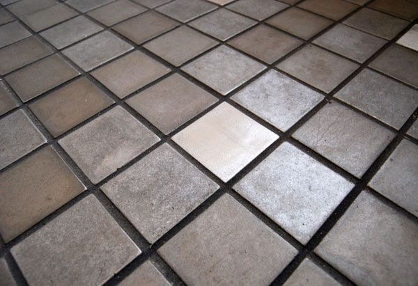recycled alum. tiles - alumillenium co. - scratch easily/coating was hard to work with