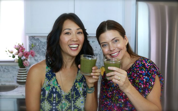 BEST SMOOTHIE RECIPE EVER!  Chocolate Kale Smoothie w/ Chia seeds