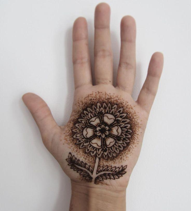 Flower pattern mehndi design for hands by@rabbyy_mehndi #mehndi #mehndidesign #henna #hennadesign #hennatattoo #hennaart #mehndiart #mehendidesign #mehndidesignforhand